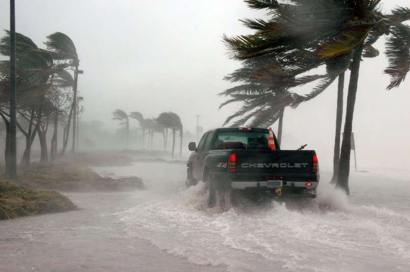 Hurricanes and Auto Insurance-What You Need to Know