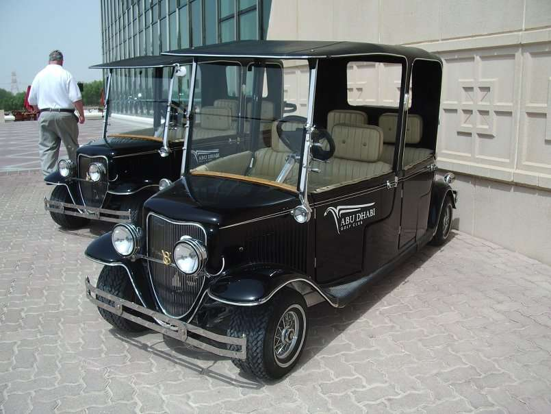 What is the Difference Between Street Legal Golf Carts and Regular Golf Carts?